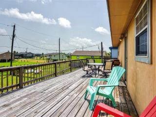 Relaxing 3BR Surfside Beach House w/Wifi, Multiple Large Decks & Dazzling Sunset Views - Walking Distance to the Beach, Just 2 Blocks from the Water!