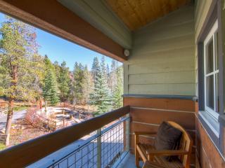 1BR Keystone Condo w/Private Balcony & Breathtaking Alpine Views