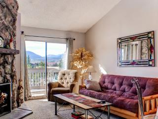 Fraser Condo w/Fireplace, Balcony & Hot Tub Access