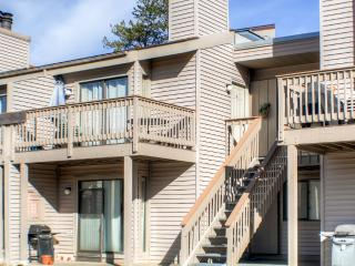 Lovely Recently Renovated 1BR Fraser Condo w/Wifi, Cozy Fireplace, Private Balcony & Breathtaking Mountain Views - Minutes from Ski Slopes, Hiking/Biking Trails, Shops & More!