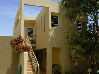 Modern Elegant Economical Hideaway, Miramar