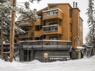 Exceptional 5BR Condo at Keystone - Walk to the Ski Lifts! *Enjoy Community