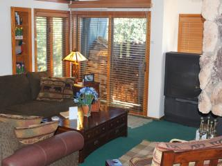 Snowcreek Condo - 3 BR + Loft 2.5 Baths FEB SPECIA, Mammoth Lakes