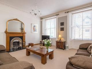 The Oystercatcher - Luxury apartment on High St, North Berwick