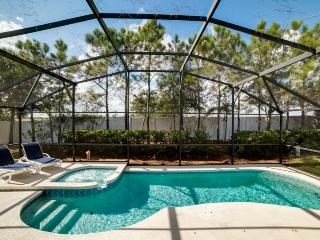Your fun-filled Orlando vacation begins here at Aviana Resort in Davenport, just minutes from theme parks and golf courses.