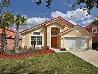 Stay in this family-friendly 4 bedroom vacation pool home 10 miles to Walt Disney World., Davenport