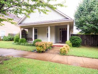 Trendy Memphis Home 2 Mi to Downtown Beale Street!
