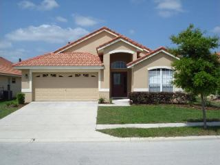 Stay in this beautiful five bedroom vacation home near Disney and golf outings, Davenport
