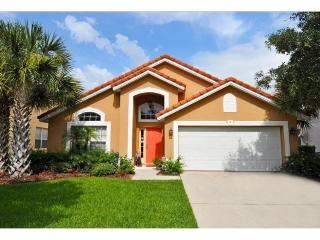 Lovely 5 bedroom pool home located in Aviana Resort Orlando just 10 miles to Walt Disney World., Davenport