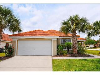 Stay in this affordable vacation home at Aviana Resort Orlando, only 10 miles to Walt Disney and theme parks., Davenport