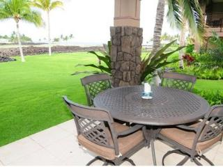 Hawaiian Ocean View with oceanfront pool and restaurant, Waikoloa