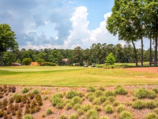 4BR Reynolds Plantation House w/Resort Amenities