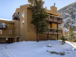New Listing! Stunning 2BR + Loft Frisco Condo w/Wifi, 2 Private Decks & Incredible Mountain Views - Easy Walk to Main Street & Shuttle Stop! Close Proximity to Multiple World-Class Ski Resorts