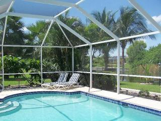 Villa Pelican - Cape Coral with water view