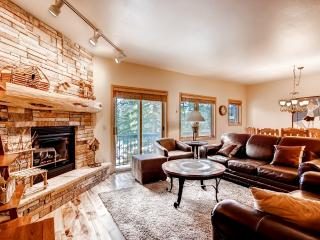 2BR Ski-in/Ski-Out Breckenridge Condo - Walk to Lifts/Town