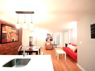 Townhouse 4Bedrooms + ( Sleep 10), Brooklyn