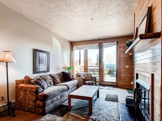 Cozy 1BR Silverthorne Condo - Perfectly Situated Near Skiing & Hiking Trails, Steps from the Clubhouse!