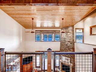 4BR Grand Lake House on Shadow Mtn Lake w/ Home Theater!
