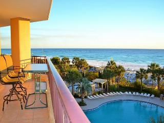 Westwinds 4724 ~breathtaking views of the Beach ~ Great pool for the kids