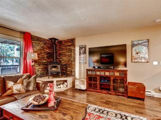 Peaceful & Relaxing 3BR Breckenridge Townhome w/Wood Burning Fireplace, 2 Large Private Decks & Secluded Forest Views - Near Skiing, Next to Free Shuttle Stop!