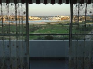 Praia da Rocha - Algarve's famous beach - prime location - wonderful views