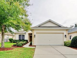 Pleasant & Sunny 3BR Brooksville House w/Wifi, Private Outdoor Pool & Enclosed Lanai - Close to Beaches, Shopping, Dining, Golf & Other Notable Florida Attractions!