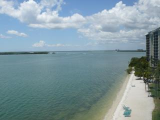 Luxury 4-Star Waterfront ~ Sanibel Bay View Condo ~ Marriott Sanibel Harbour Spa