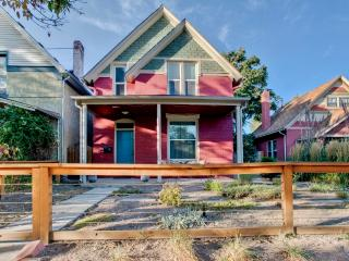 Darling 3BR Victorian Denver House in Historic Potter-Highlands w/Wifi, Private Backyard & Fire Pit - Minutes to Downtown, Many Restaurants, Sports Venues & Entertainment!