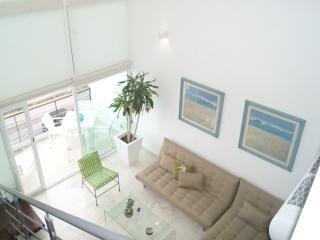 Luxury and Modern 2 Bdrm, 2.5 bath with Balcony, Playa del Carmen