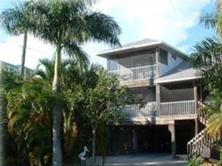 """Desert Rose"" - a Key West Classic Stilt Home, Fort Myers Beach"