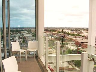LUXE PENTHOUSE @ CENTRAL MARKET