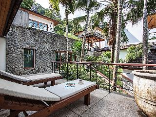 Phuket Holiday Villa 2070