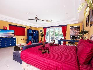 Pattaya Holiday Villa 2082