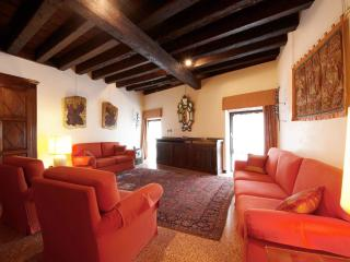 Palazzo Mocenigo - Romantic and Luxury flat with Canal Grande View, Venice