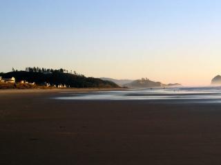 Idyllic Beach House - Miles of quiet sandy beach