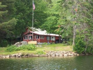 Beautiful Lake Front Cabin, Indian Lake