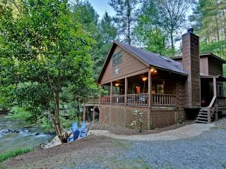 Pet-friendly cabins in North Georgia, Ellijay