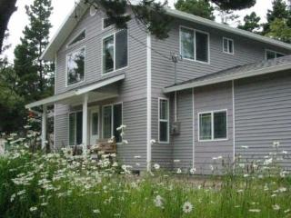 Beachside Cottage - Spacious, Fun, Private, Rockaway Beach