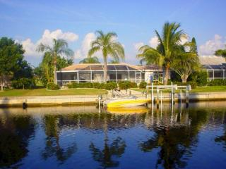 Superb waterfront home with  boat dock & pool, Punta Gorda