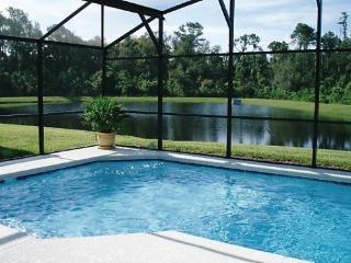 Lakeside Villa,Pool,Wifi, Free Phone Calls