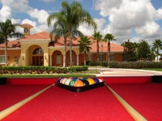 Luxury 6 BR Pool/Spa Next to Club House, Davenport