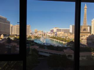 Las Vegas Strip Penthouse -Amazing View, Sleeps 16