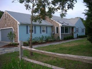 1 Mile to Nauset Beach, Home next to Bike Trail, Eastham