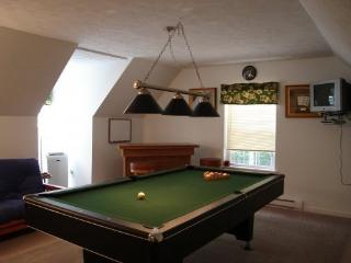 Hot Tub,Pool Table,Firepit,5BR+Crib/3BA-Sleeps 14
