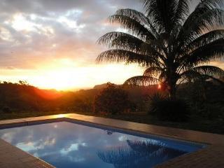 Villa Ojochal-Ocean/Mountain Views & breezes