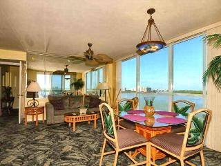 Finest Newer Waterfront Resort Condo!, Fort Myers Beach