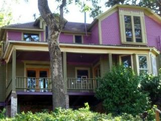 Dtown RiverVu Sleeps 1-20 PetFriendly Call 4 Info, Hood River