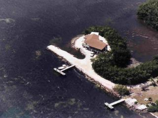 the private & secluded Peninsular house off Grassy Key harbor.