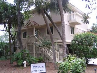 3 houses, 75yds to beach, great pool NFB, Hilton Head