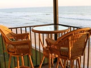 Updated 2BR/2BA Direct Oceanfront Condo!